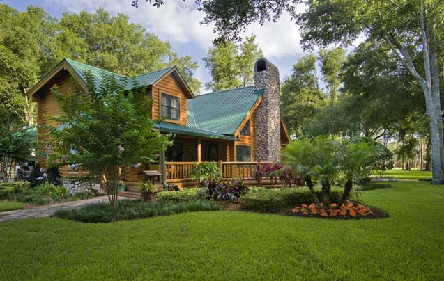 photos of a custom log home in rural florida