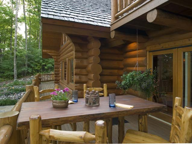 Outdoor Dining Space for the Log Cabin
