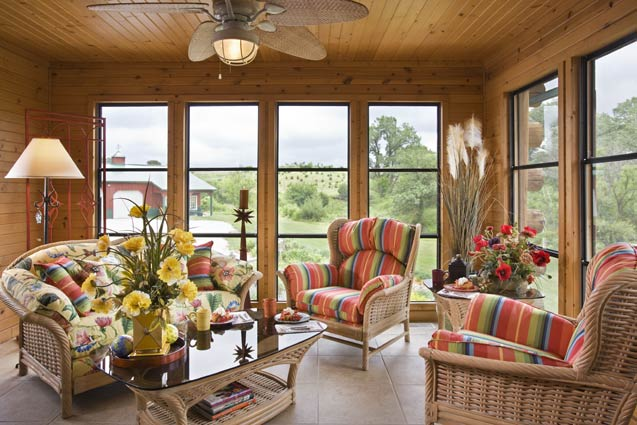 Log Home Sun Room | Expedition Log Homes