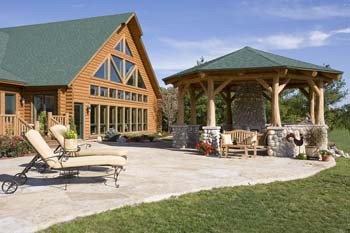 Outdoor Log Patio | Town and Country Cedar Homes