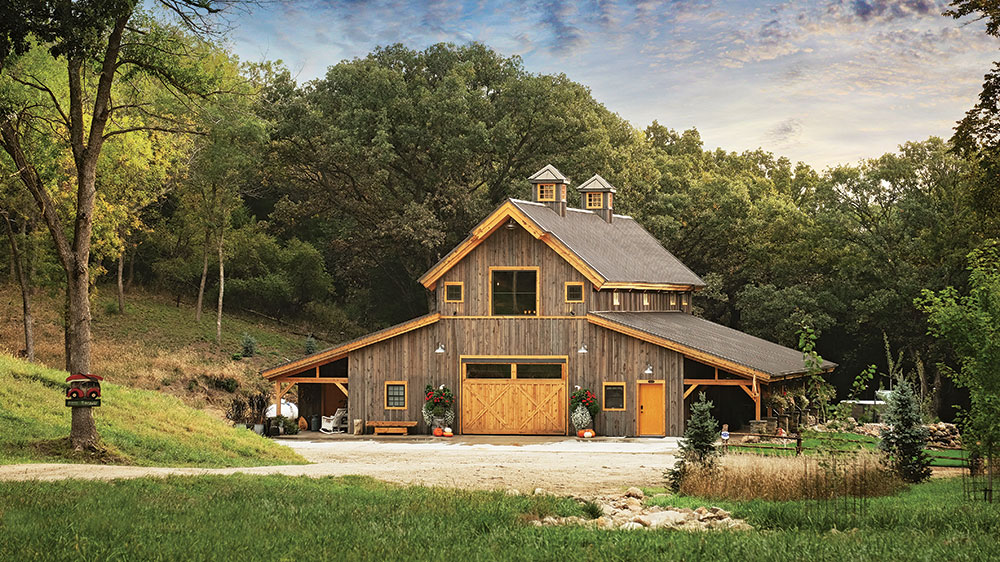 This Barn-Style Timber Frame is an Entertainer\'s Dream