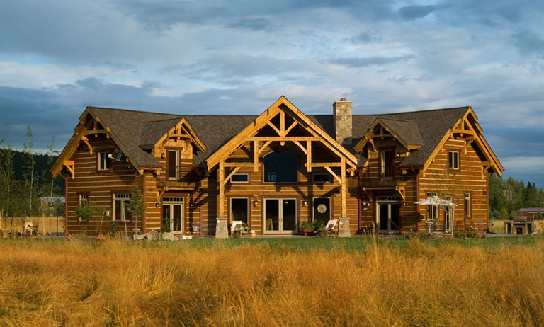 Easy Elegance: A Classic Timber Home In Montana