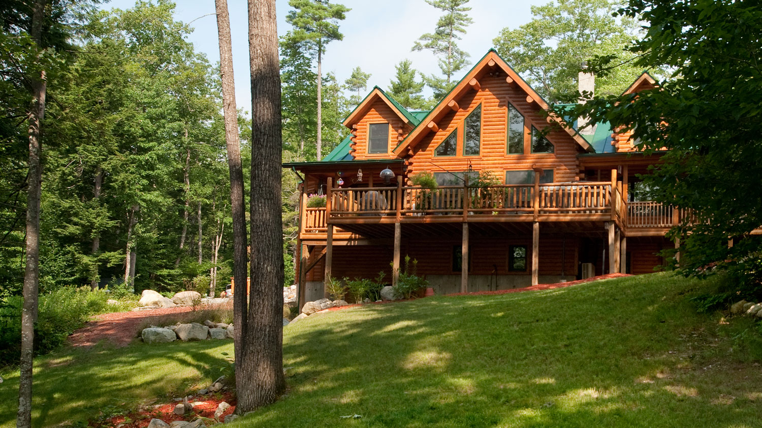 Log Home Living: Log Cabins, Floor Plans + House Design