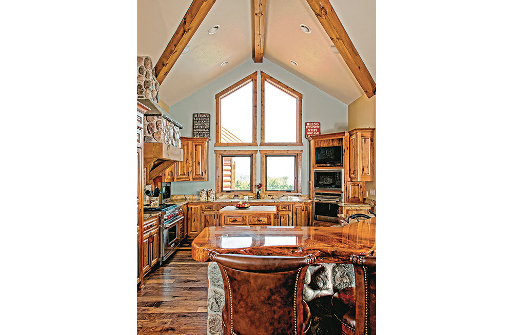 Kitchen---Wisconsin-Log-Homes_7542_2018-04-20_10-42