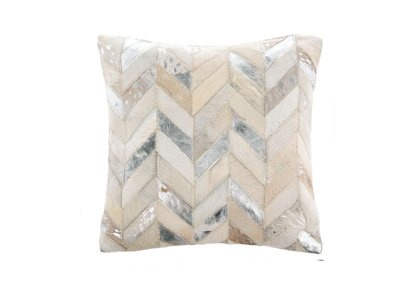 LHL-June-July-19-FT-pillow-(3)_wayfair_8542_2019-09-03_14-58