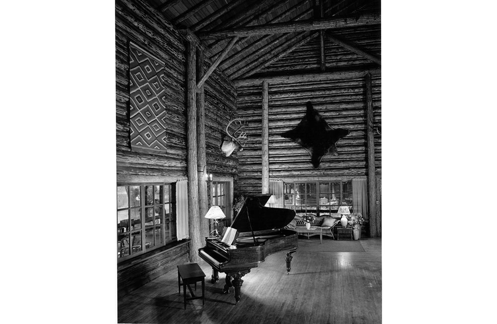 Lodge-Interior-1960s_7556_2018-03-02_10-55