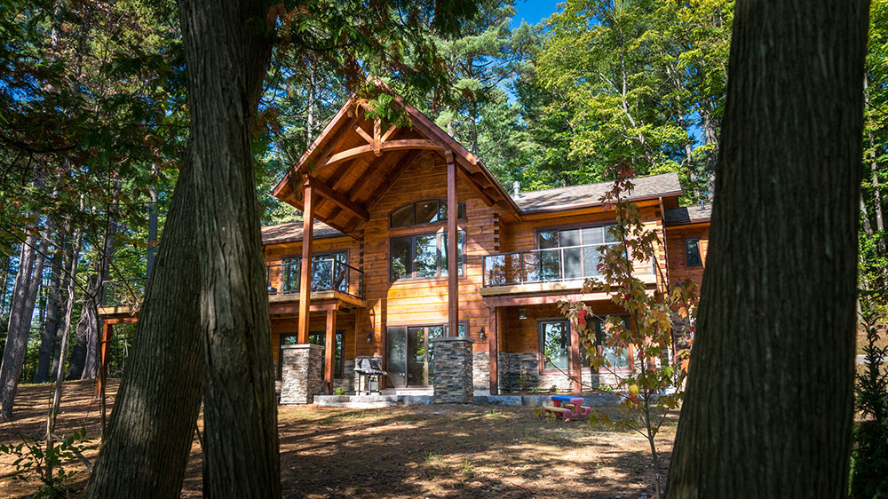 A Log and Timber Home Hybrid Mixes Old with New