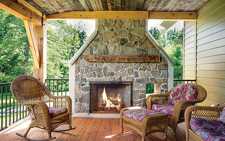 ... The Home May Sound Small, Itu0027s Filled To The Brim With Amenities That  Cabin Lovers Want U2013 Making It A Sure Thing In The 2015 Timber Home Living  Readersu0027 ...