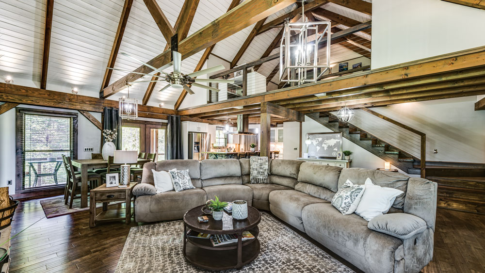 Cozy Hybrid Home in Tennessee