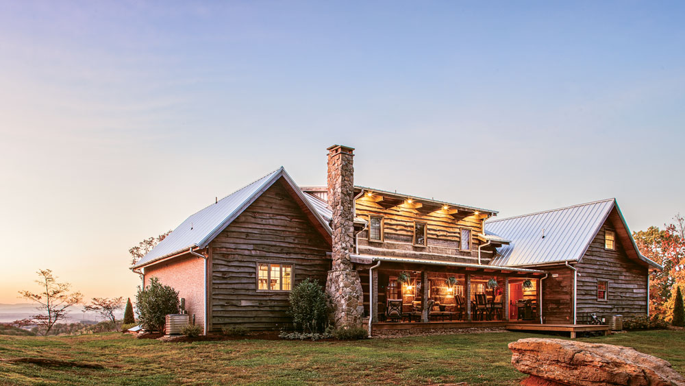 A Tennessee Log Home That Mixes Old New