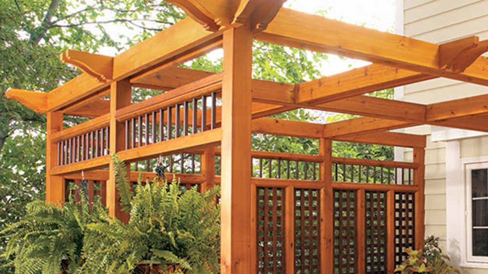 Build a Pergola + Privacy Screen for your Deck
