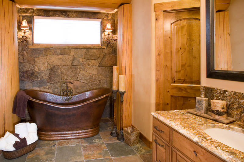 red cedar bathroom
