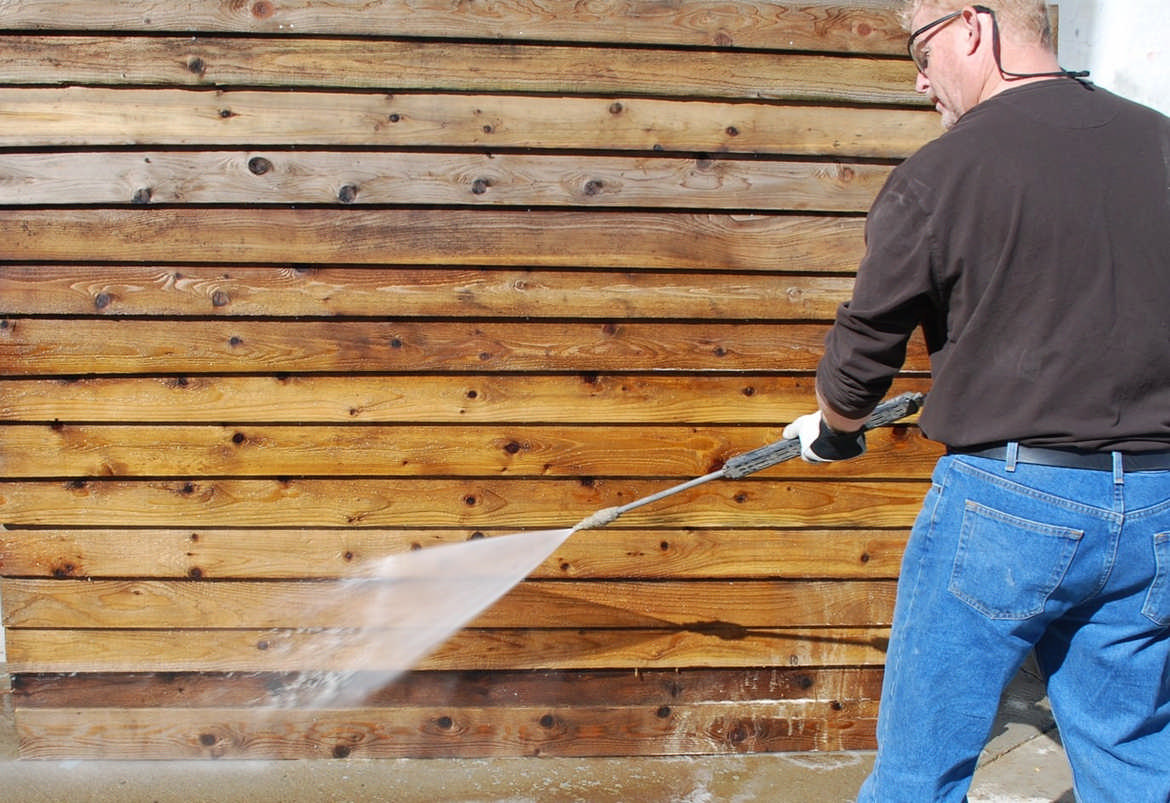 Log Home Stain Maintenance