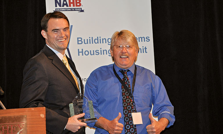 Canada's True North Log Home Named Manufacturer of the Year