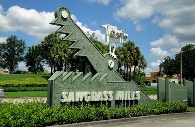 Sawgrass mills bjsi4fgd9g956 gh2lijjt3rs hd 54 990x660 201404220739
