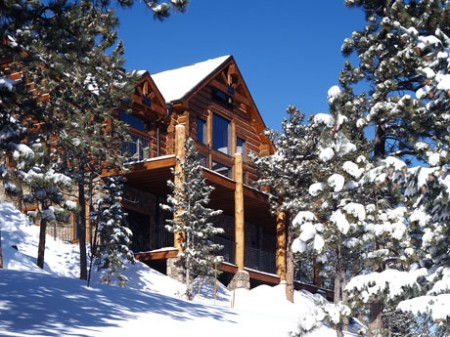 2-snow-covered-cabin-450x3371