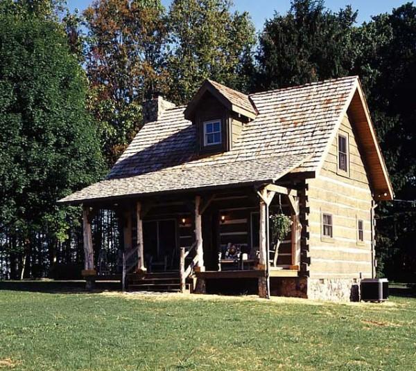 1-tiny-log-cabin-600x536