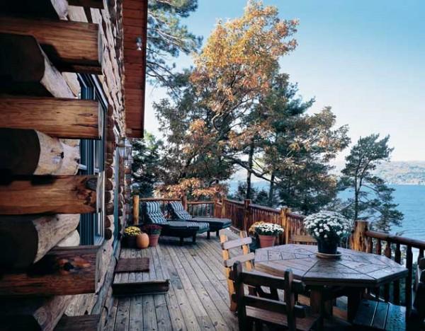adirondack-lakeside-log-home-deck-600x468