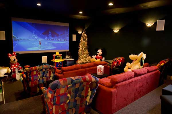holiday_log_home_theater
