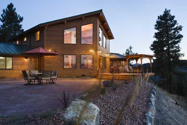lake_log_home_exterior_l1