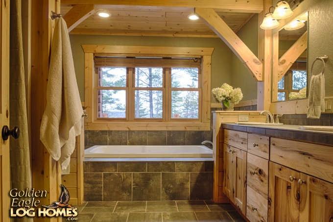 Exterior: Golden Eagle Log Homes Inc