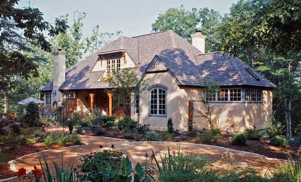 A french country style timber frame cottage for Timber frame bungalow