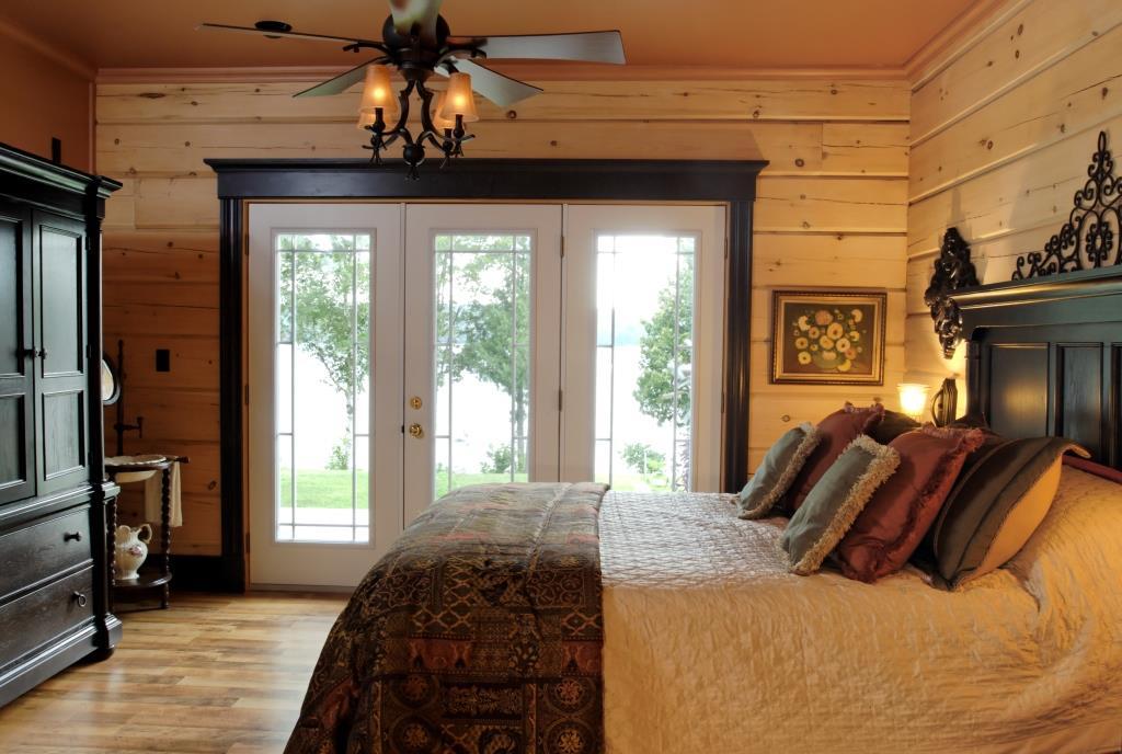 12-mile-lake-master-bedroom