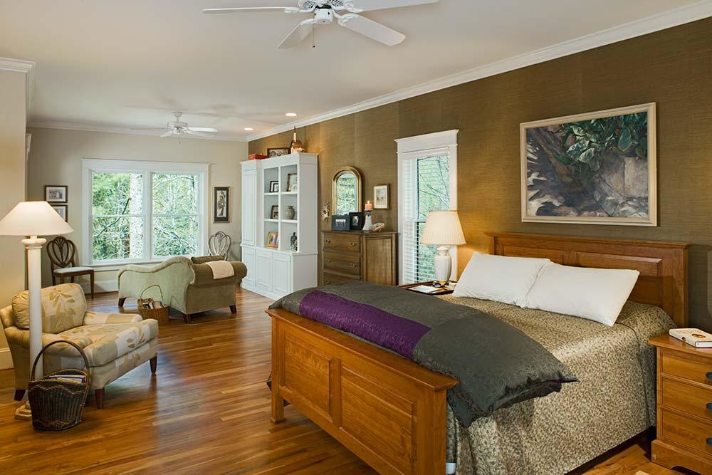 north-carolina-timber-home-bedroom-2