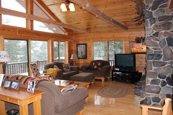 farm-lake-cabin-great-room