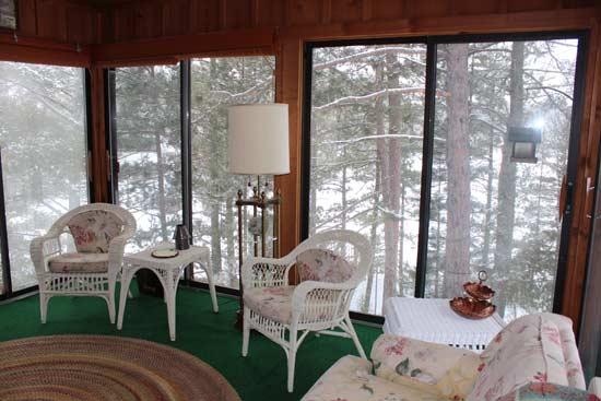 farm-lake-cabin-sitting-room