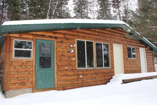 farm-lake-log-cabin