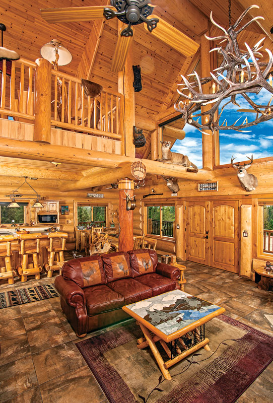 Superbe ... Log Home Great Room