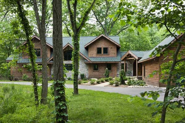 woodsy_log_home_exterior_l-2