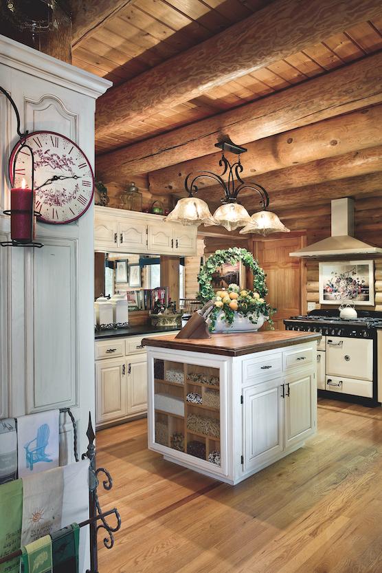 Arkansas log home kitchen
