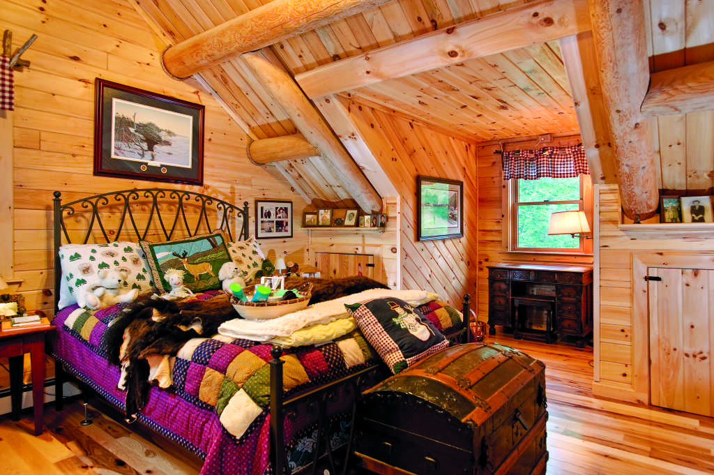 Maine log home bedroom