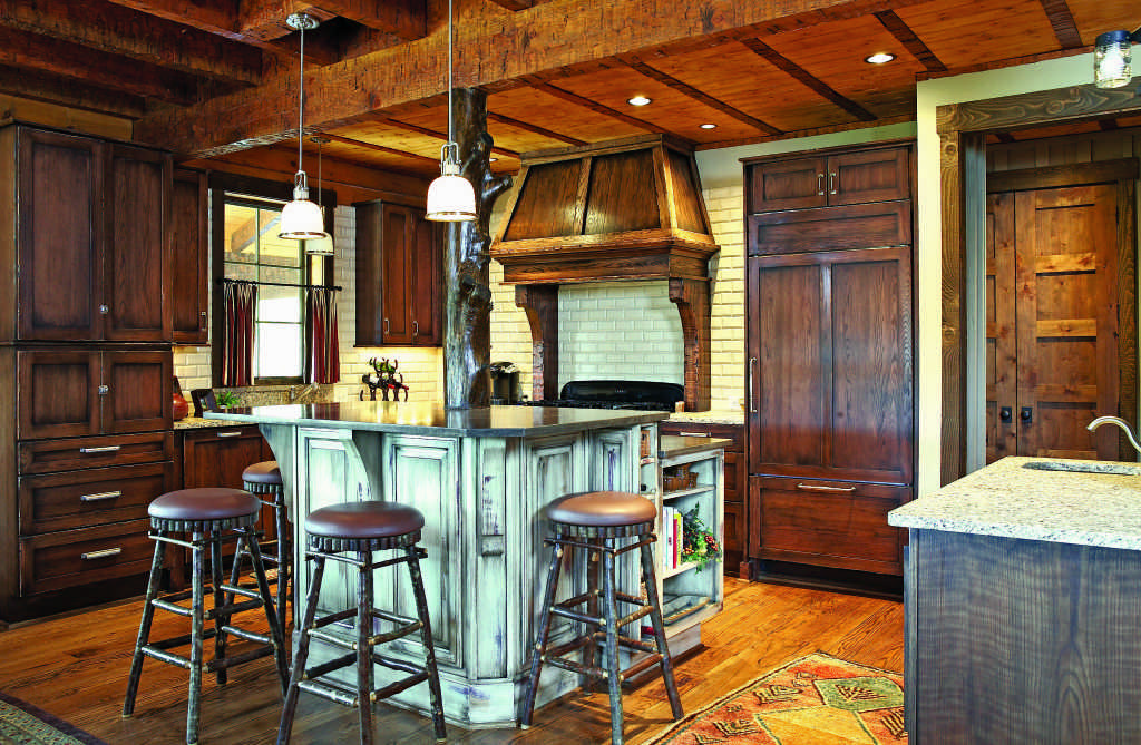 Alabama log home kitchen