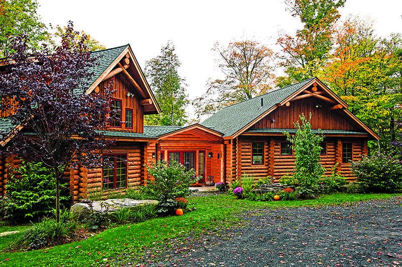 New York log home exterior Catskill Mountains