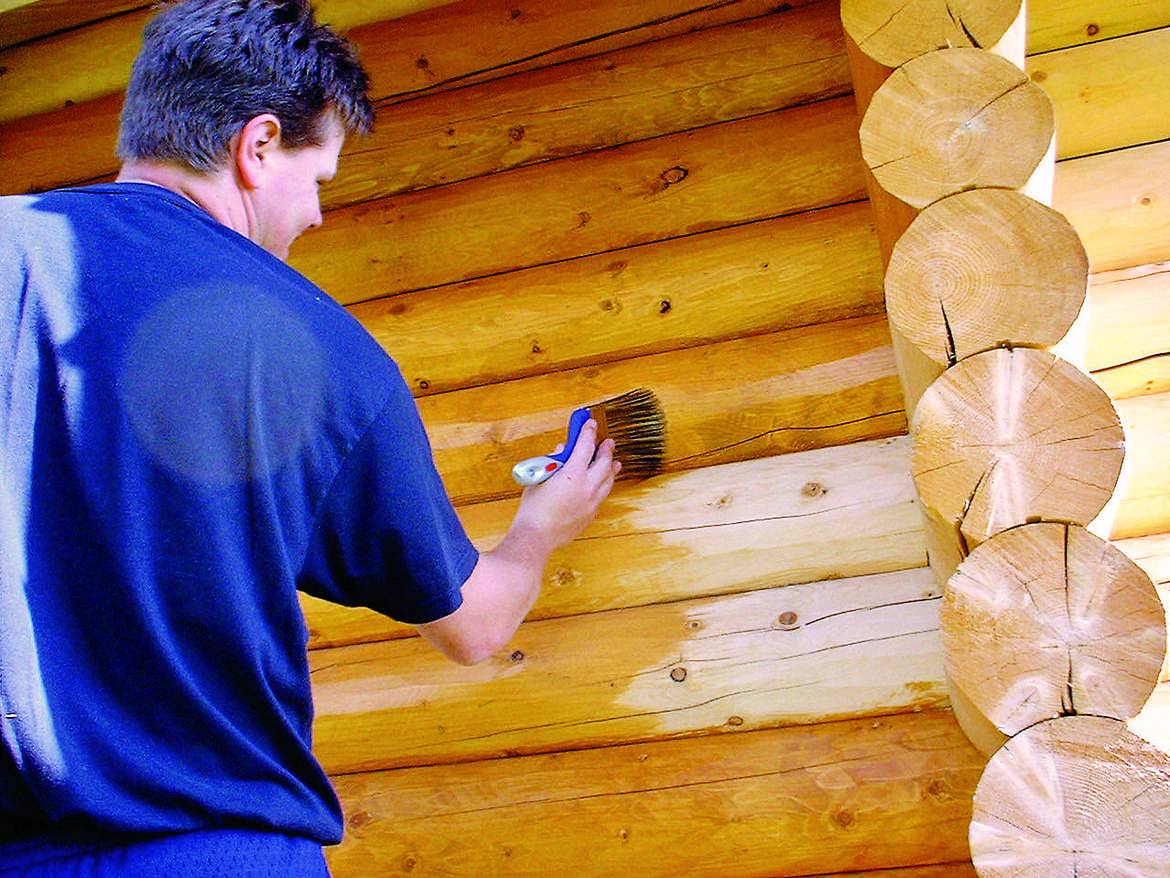 When re-staining your log home or cabin, always make sure your logs are thoroughly cleaned.