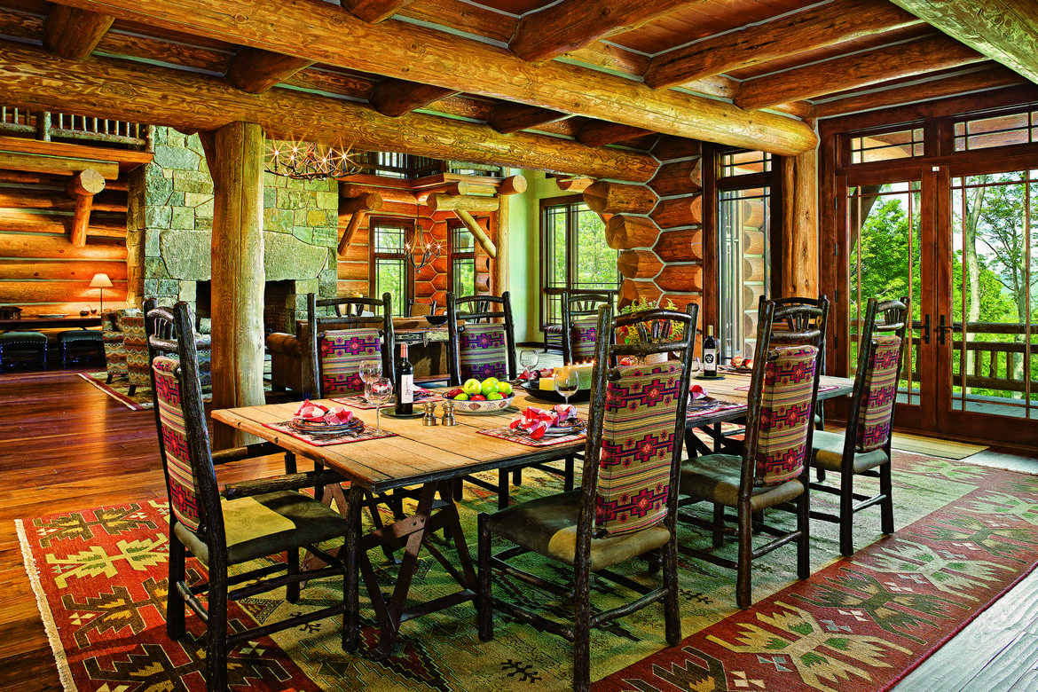 Genial Thanks To Open Layouts, Many Log Homes Lack Separate Dining Rooms,  Preferring Space Near The Kitchen Or Living Room U2014 Or Both U2014 With A Table  Able To Seat A ...