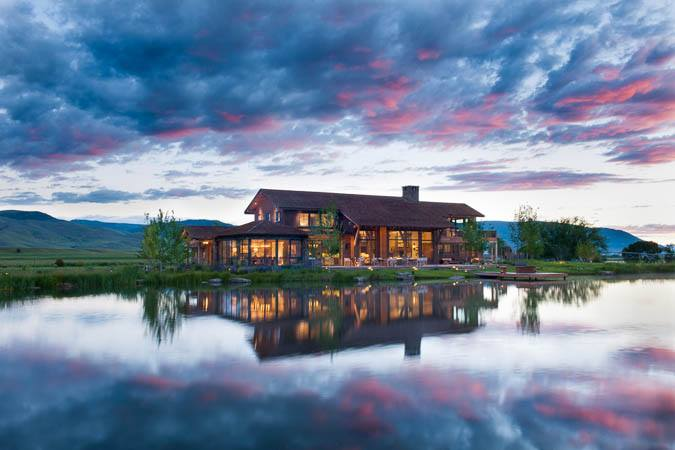secluded log home retreat