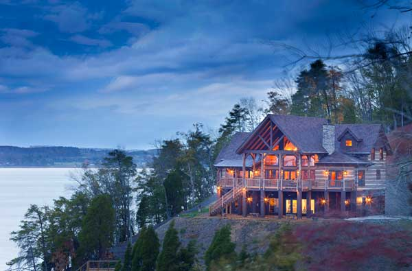5 log home retreats that couldn 39 t get more remote the for Www loghome com