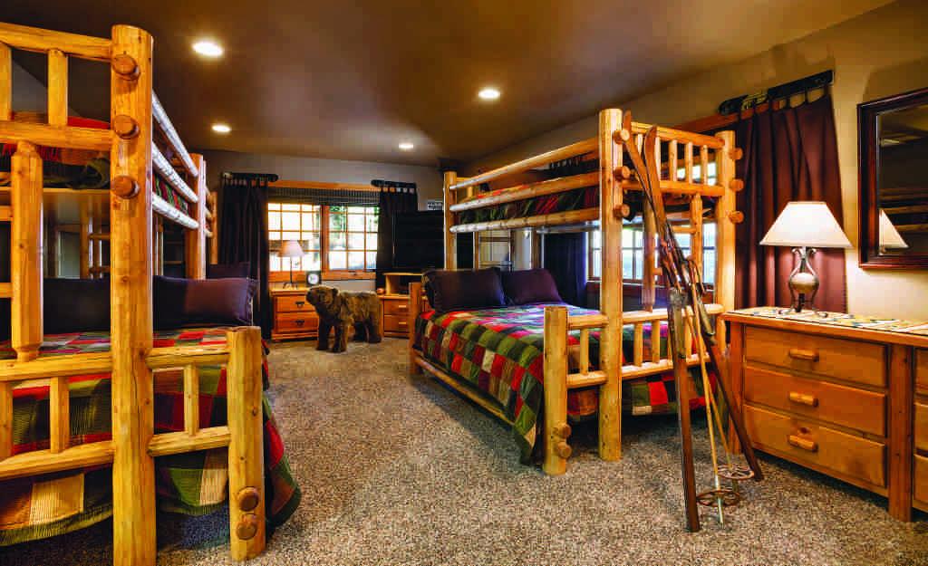 bunk beds carpet ski lodge