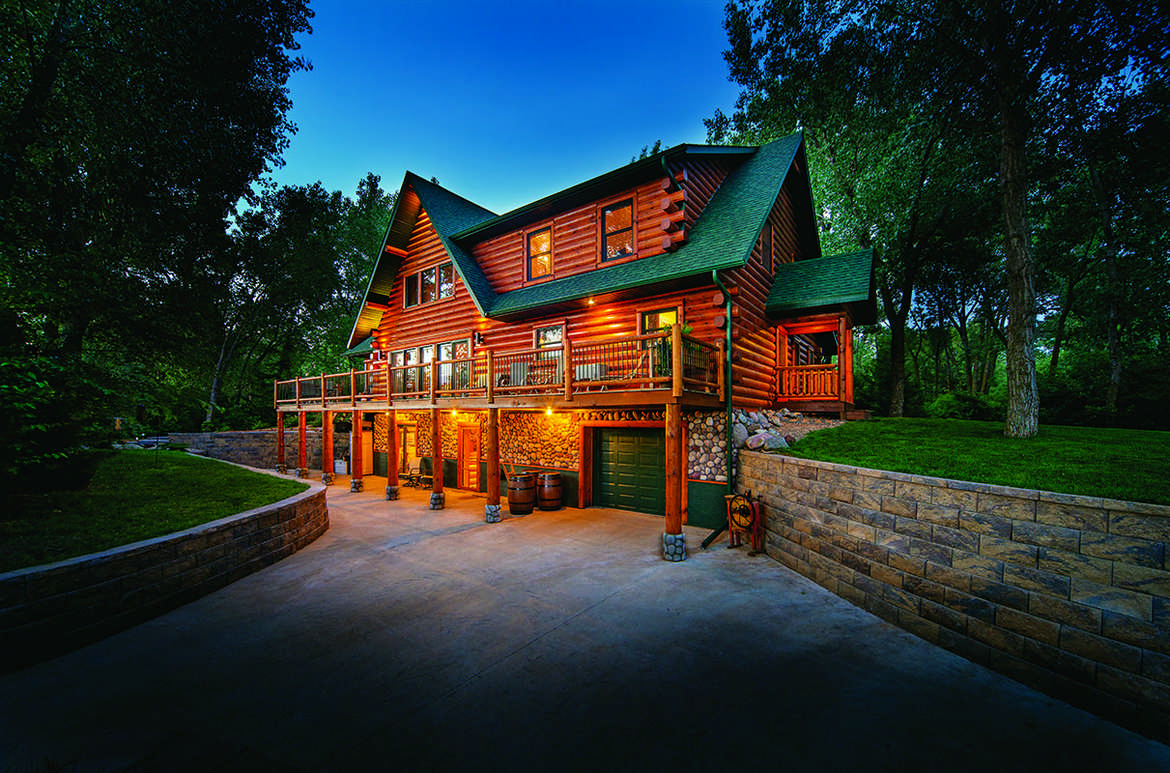 A waterfront log home in south dakota for Www loghome com