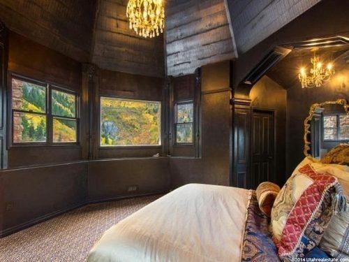 Cabin Castle in Utah Bedroom