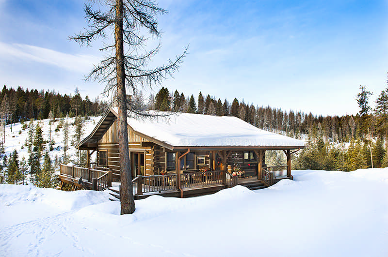 Winter log cabin getaways