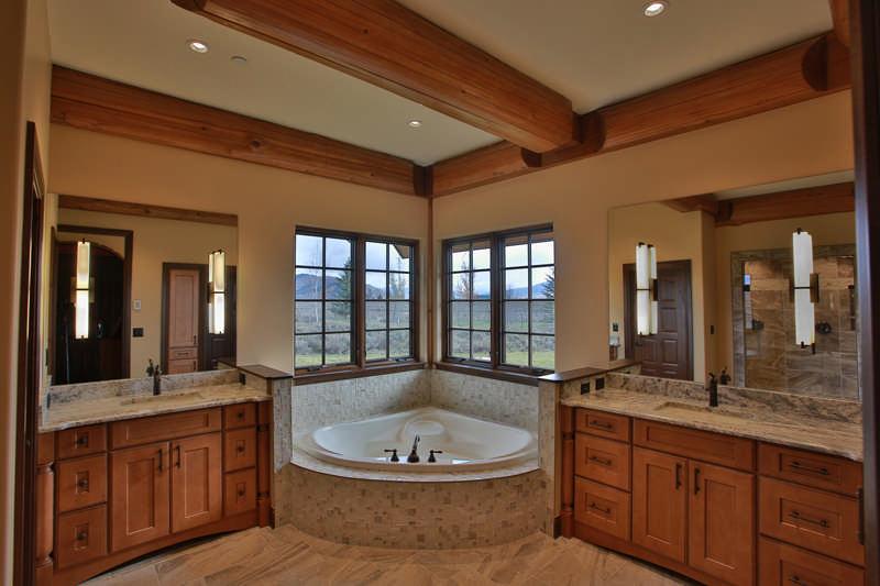 SLT_Home2_Bathroom_B