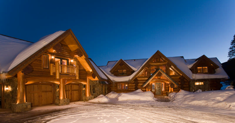 A Red Cedar Log Home In Colorado The
