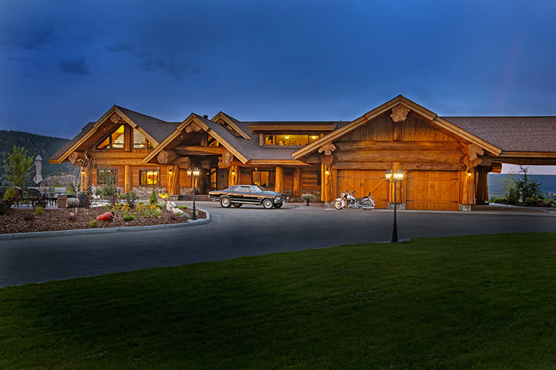 A luxury log home with a pioneering spirit the log home for Www loghome com