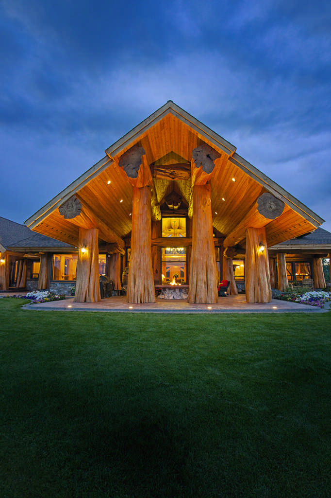 A luxury log home with a pioneering spirit for Www loghome com