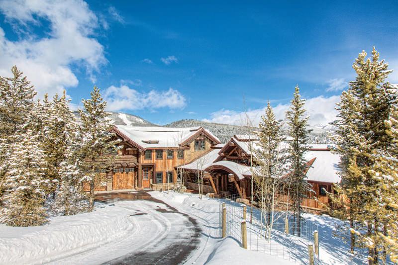 exterior snow log home
